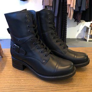 Taos Black Crave Boots!